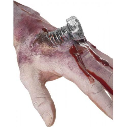 Boulon dans la main avec sang
