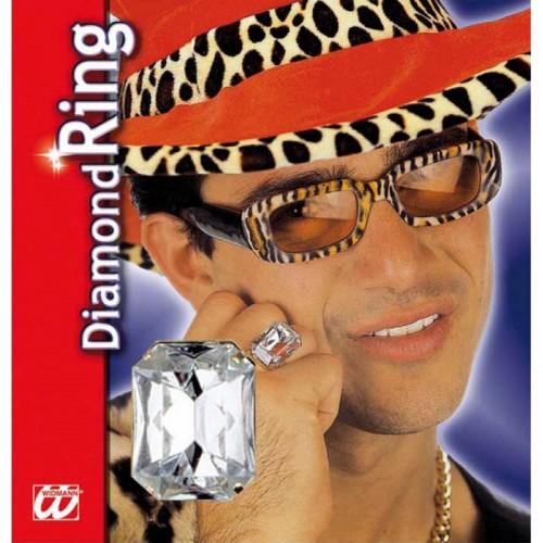 Bague avec gros diamant